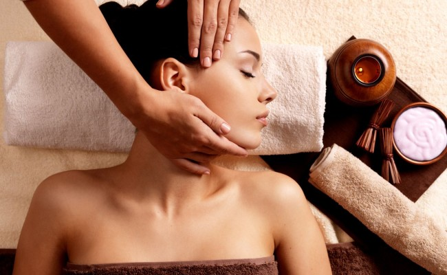 Massage thaï de la tête